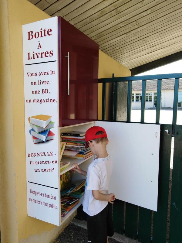 Boite livres 944